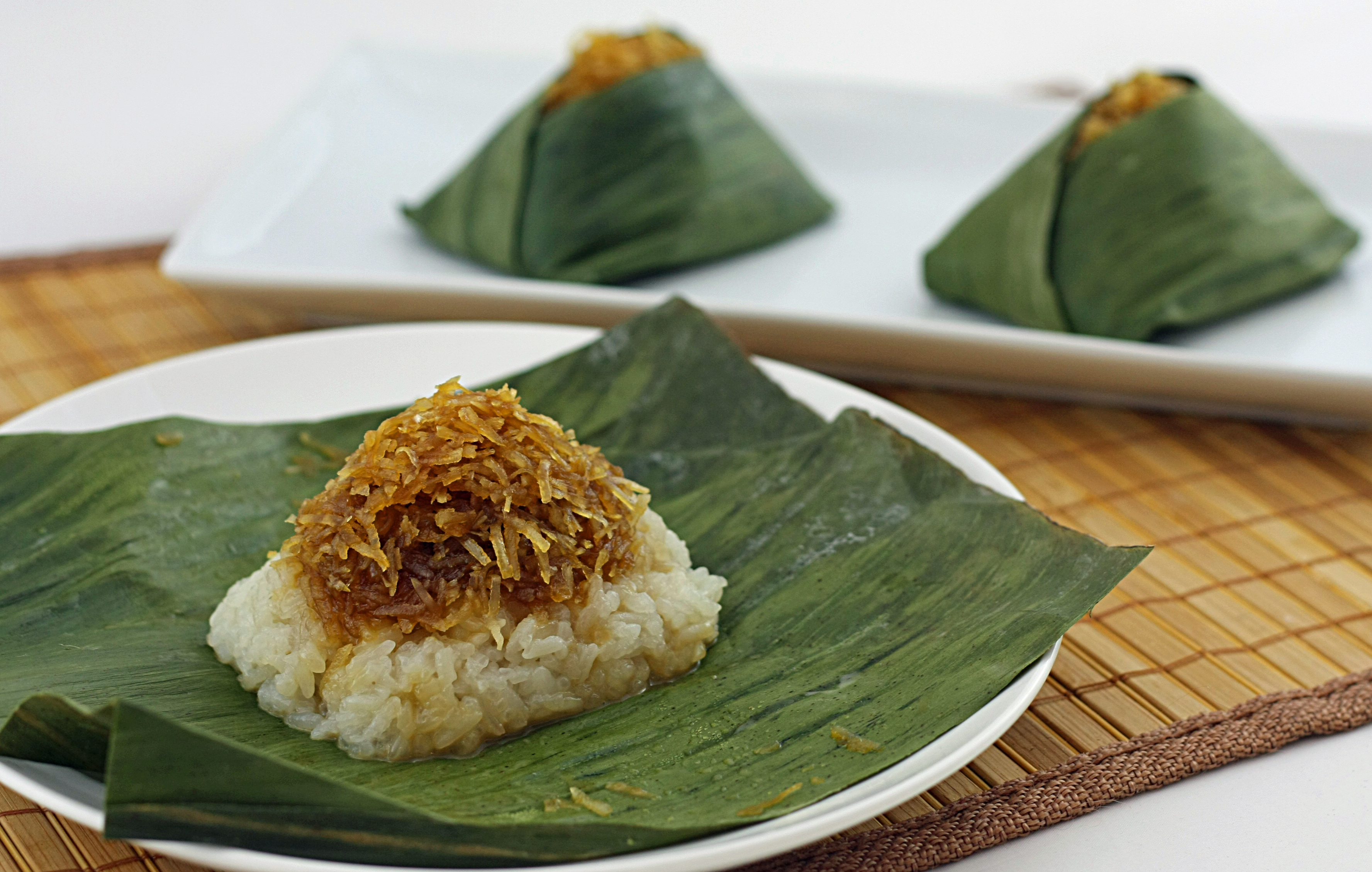 Steamed Sticky Rice Cakes With Banana